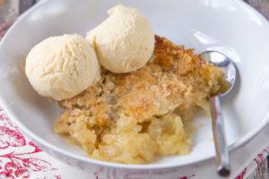 easy-apple-cobbler
