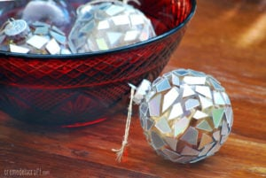 do-it-yourself-holiday-christmas-tree-ornaments-craft-gift