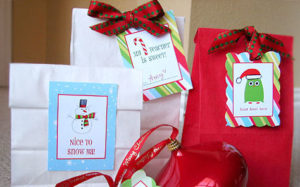 free-printable-holiday-gift-tags-living-locurto