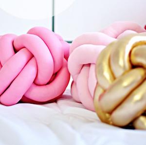 DIY Knot Pillow tutorial