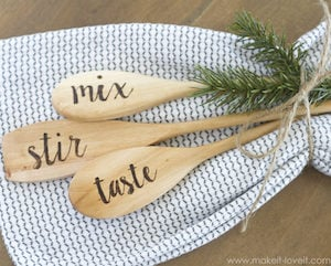 DIY Engraved Wooden Spoons christmas gift for mom