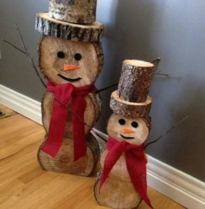 15 Rustic DIY Christmas Wall Art and Outdoor Decorations