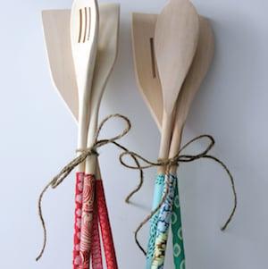 DIY Wooden SpoonsGift idea for mom