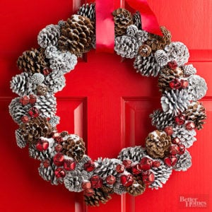 wreath-pinecones-red