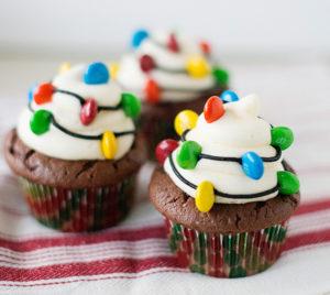 cupcake christmas desserts easy snowmen cupcakes christmas light cupcakes - Christmas Desserts Easy