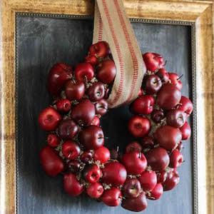 DIY Apple Wreath