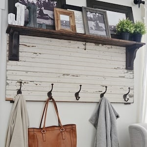 DIY FarmhouseEntryway Coat Rack