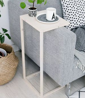 Over Sofa Diy Side Table The Tutorial Is In German But I Plugged It Into Google Translate So You Can Understand Better