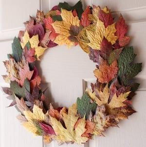 Cheap Easy DIY Fall Wreath Fall Leaves + Cardboard + Glue Gun + Twine +  Parchment Paper