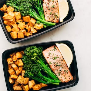 easy and healthy Salmon with Sweet Potatoes meal prep