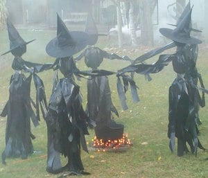 50 cheap and easy outdoor halloween decor diy ideas for 90 cool outdoor halloween decorating ideas