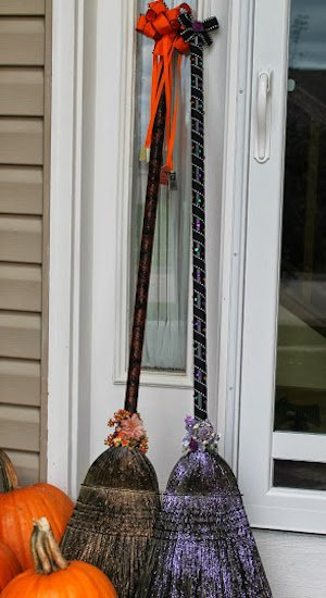 Witch Broom DIY Halloween Decoration for the porch