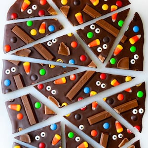 Halloween Candy Bark Treats