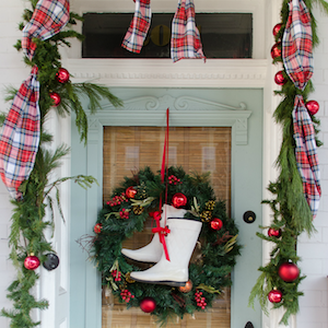 christmas porch decorating idea - Front Porch Christmas Decorations Ideas