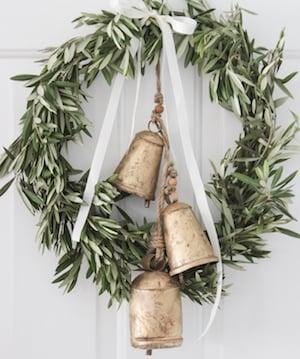 DIY Farmhouse Christmas Wreath