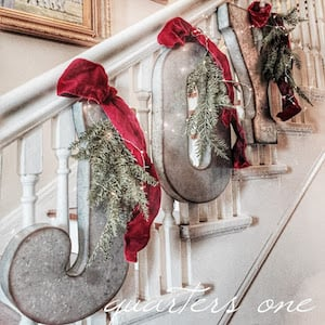 22 Indoor Farmhouse Christmas Decorations