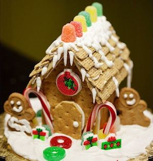 Gingerbread Houses Using Graham Crackers