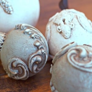Dollar Store Ornament Makeover