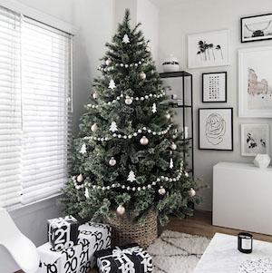 scandinavian christmas tree source unknown - How To Make Scandinavian Christmas Tree Decorations