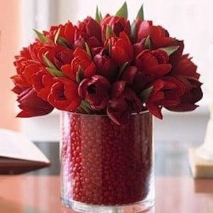 Valentineu0027s Day Candle Decor Glass Candleholders + Red Pillar Candles + Valentineu0027s  Day Bead Garlands