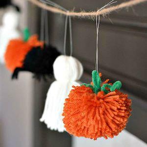 Halloween yarn Garland
