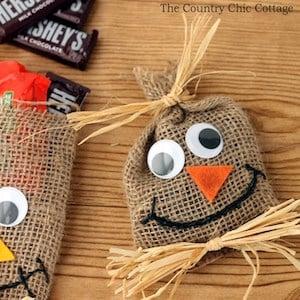 Scarecrow Treat Bags Halloween craft for kids