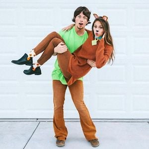 cute Scooby Doo & Shaggy Halloween costume for couples
