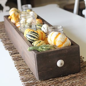 DIY Fall Table Centerpieceiim a box with mini gourds and candles