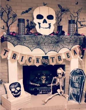 Creepy Skeleton Halloween Mantel Decor
