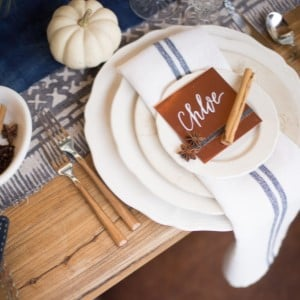 Warm and Cozy Thanksgiving Table decor
