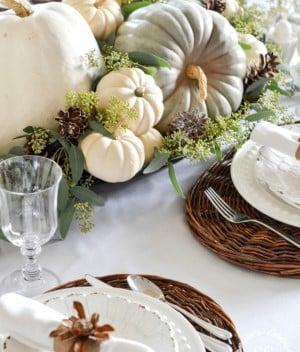 Soft & Neutral Thanksgiving Dinner Table