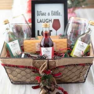 120 DIY Christmas Gift Baskets - Prudent Penny Pincher