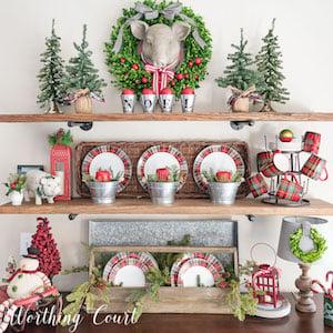 Farmhouse Christmas Kitchen Nook