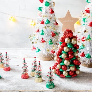 Hershey's Christmas Trees table party decor