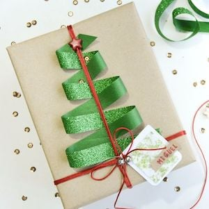 How To Wrap Christmas Presents.150 Creative Christmas Gift Wrapping Ideas Prudent Penny