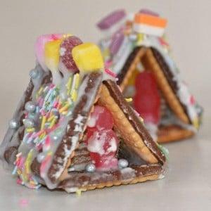 No Bake Mini Gingerbread Houses for kids