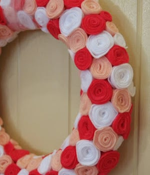 15 DIY Valentines Day Wreaths You Can Craft (Part 2)