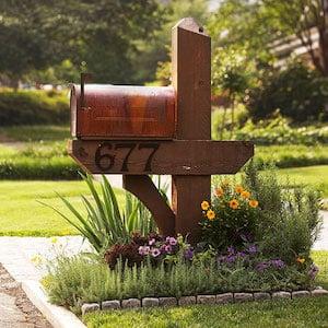 front yard Mailbox Garden