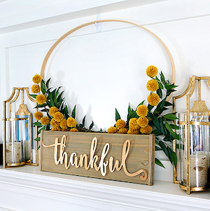Embroidery Hoop Thanksgiving Wreath with thankful sign