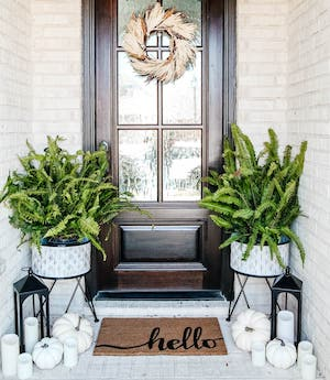 neutral fall porch decorating
