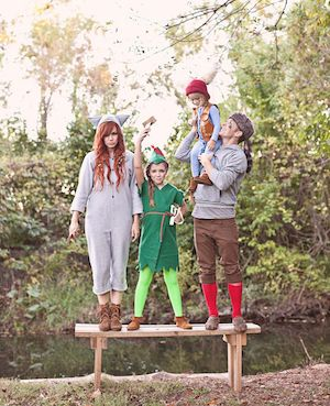 DIY Peter Pan and the lost boys halloween Costumes for family