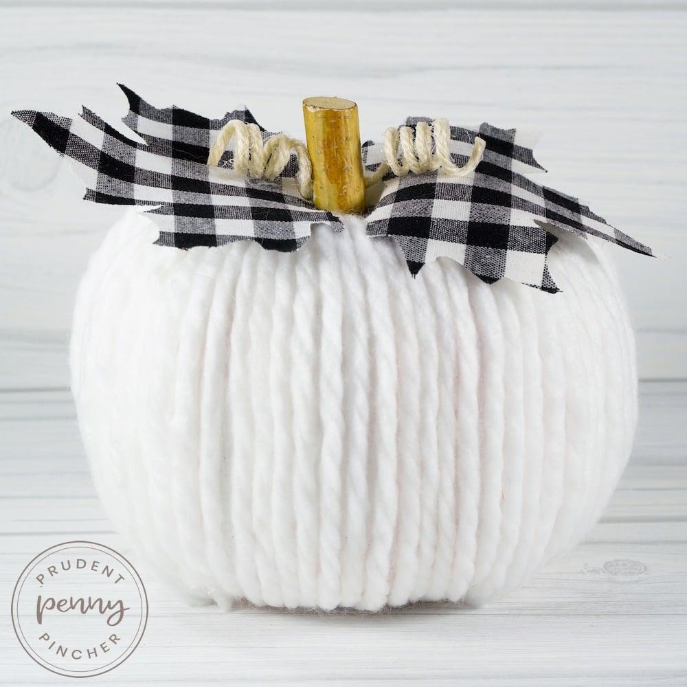 yarn farmhouse pumpkin