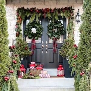 Christmas Porch Garland Makeover