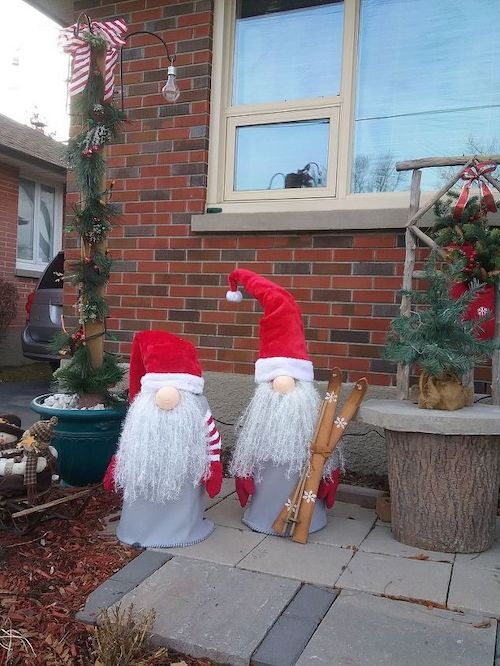 Christmas Tomato Cage Gnomes