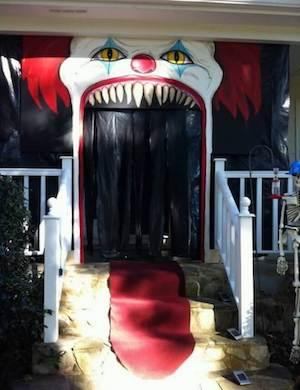 Creepy Clown Halloween Door Decoration